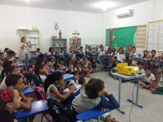 Saúde Ambiental - Os perigos do mosquito Aedes Aegypti. Escola São Domingos Sábio. Petrolina-PE. 15-03-2016