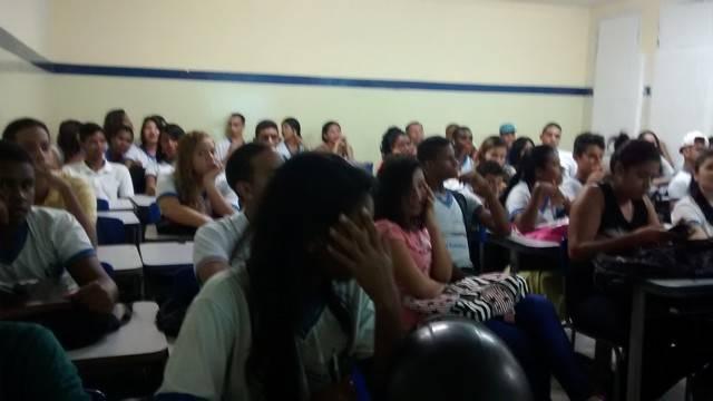 Saúde Ambiental - Os perigos dos Agrotóxicos. Escola Adelina Almeida. Petrolina-PE. 10-03-2016
