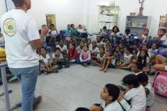 300 alunos e professores sensibilizados sobre Saúde Ambiental