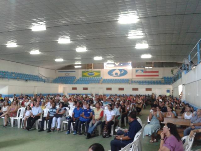 400 Pais e Professores se reunem para apresentacao do PEV