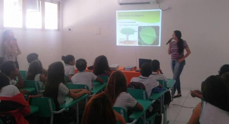 Atividades de Arborização. Centro Educacional de Sobradinho (CES). Bahia. 08/06/2017.