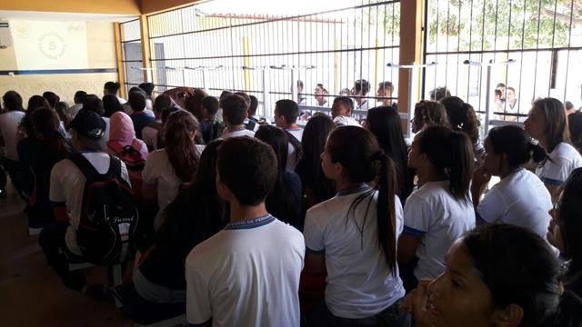 Atividades de Saúde Ambiental. Higiene do Meio. Escola Humberto Soares. Petrolina-PE. 24-08-2016