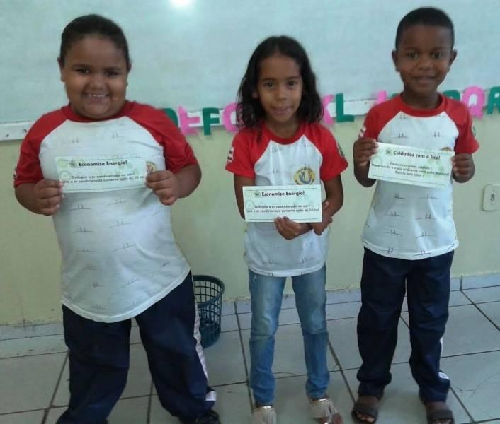 Adesivagem da Escola Argemiro José da Cruz. Juazeiro-BA. 13/06/2017.