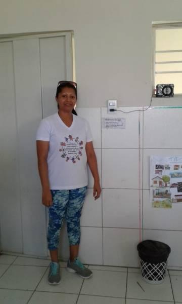 Atividade de adesivagem. IMEI Beatriz Angélica Mota. Juazeiro-BA. 23/05/19