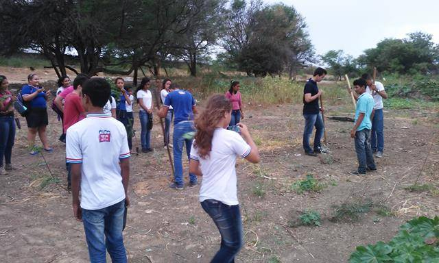 Arborização da Orla de Petrolina-PE. Escola Lomanto Júnior. Juazeiro-BA. 27-05-2016