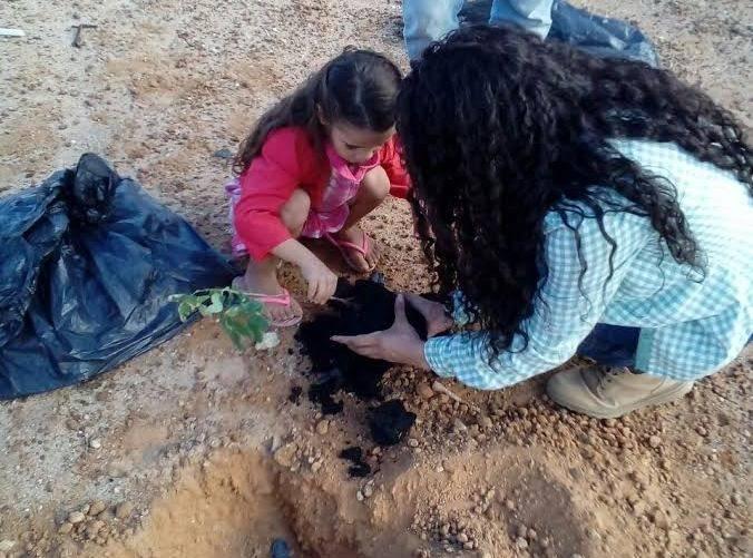 Atividades de Arborização. Escola Maria Viana Tanuri. Juazeiro-BA. 26/05/2017.