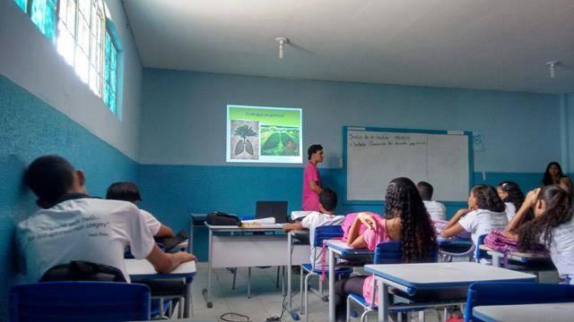 Atividades de Arborização. Escola Jutahy Magalhães. Juazeiro-BA. 04-05-2016