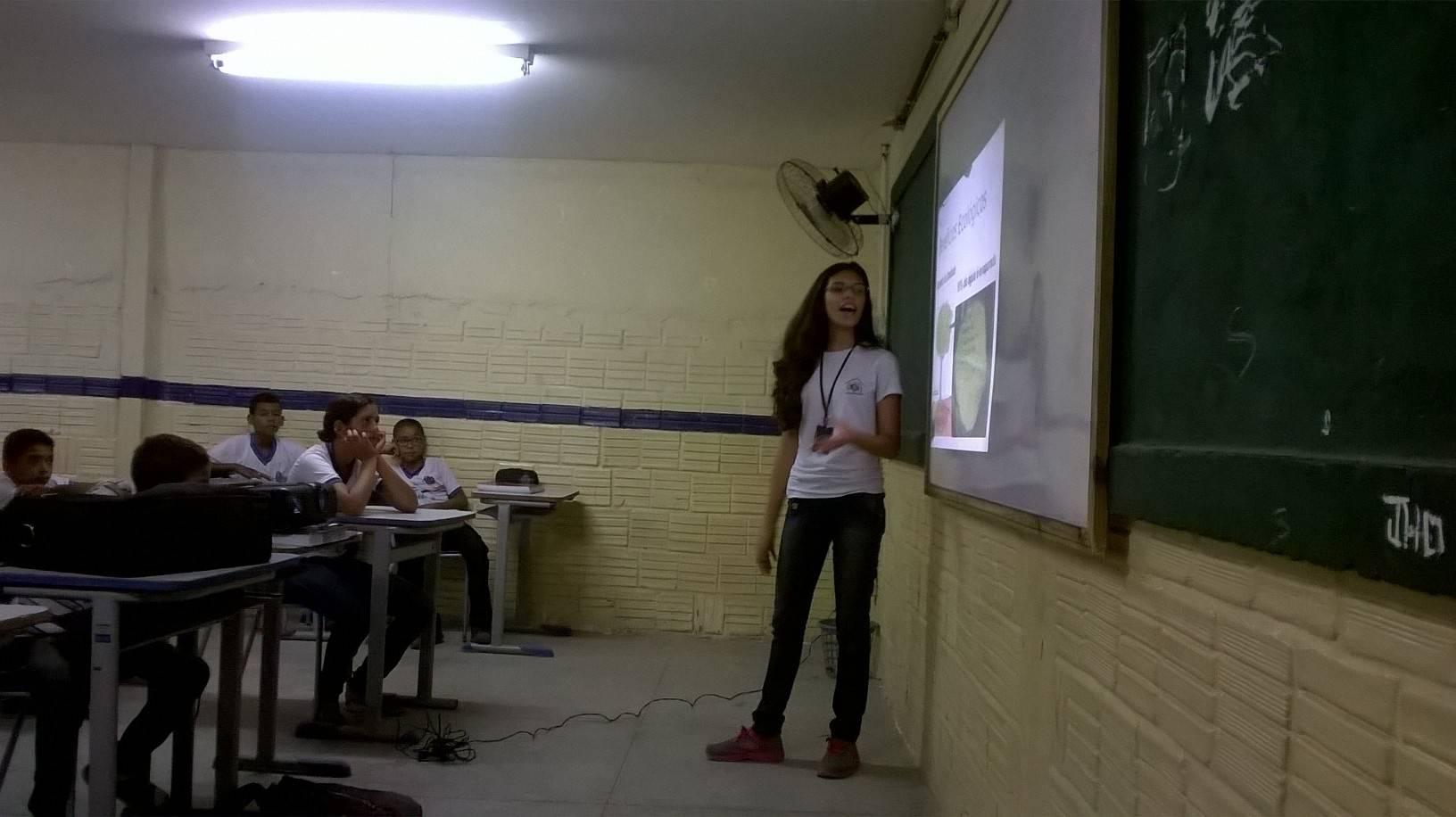 Atividade de arborização - Escola  João Batista dos Santos - Petrolina-PE - 04.03.16