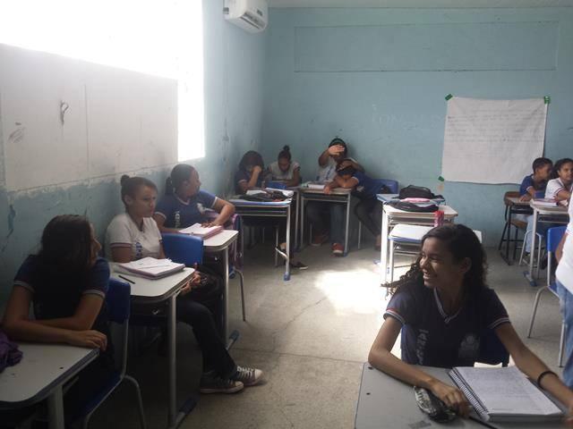 Atividades de arborização. Escola Antonilia de França Cardoso. Juazeiro-BA. 08-04-2016