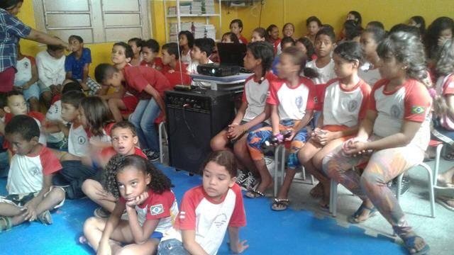 Atividades de arborização. Escola Nossa Senhora Rainha das Grotas. Juazeiro-BA. 01-04-2016 (11)