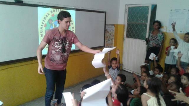 Atividades de arborização. Escola Nossa Senhora Rainha das Grotas. Juazeiro-BA. 01-04-2016 (18)