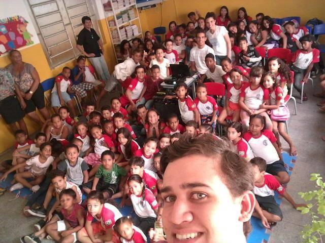 Atividades de arborização. Escola Nossa Senhora Rainha das Grotas. Juazeiro-BA. 01-04-2016 (21)