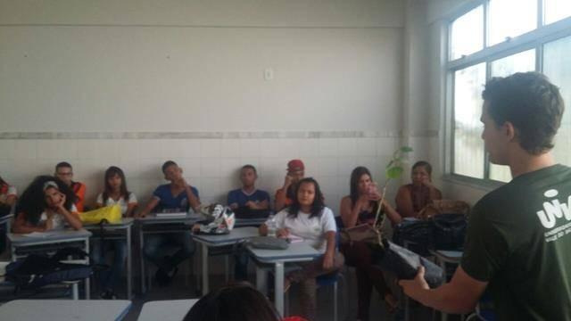 Atividades de arborização. Centro Territorial de Educação Profissional (CETEP). Juazeiro-BA. 31-03-2016