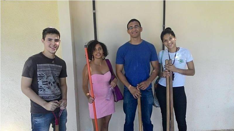 Atividade de arborização - Escola Marechal Antônio Alves Filho (EMAAF) - Petrolina-PE - 06.11.15
