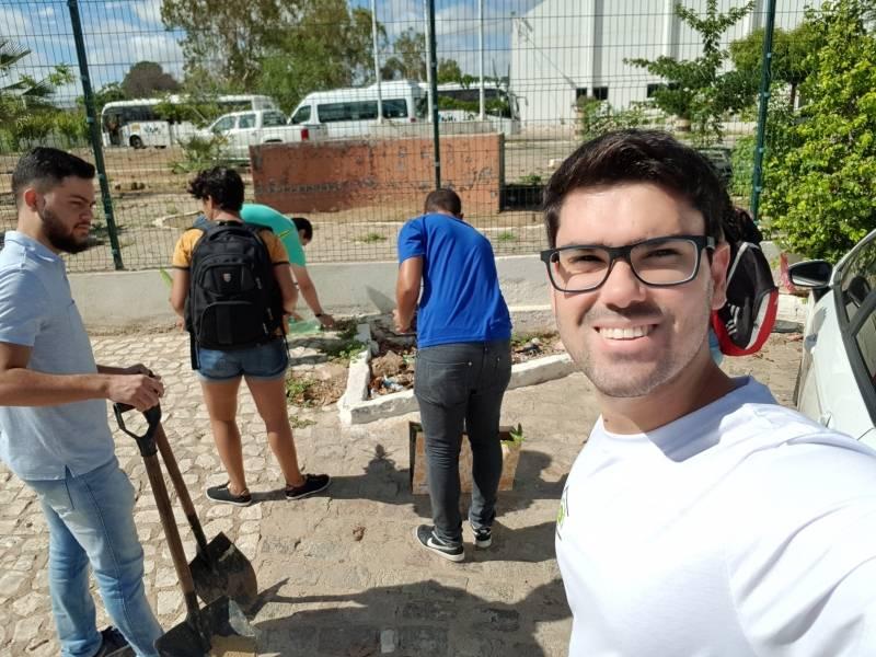 Atividades de Arborização. Campus da Univasf. Juazeiro-BA. 22/02/2019.