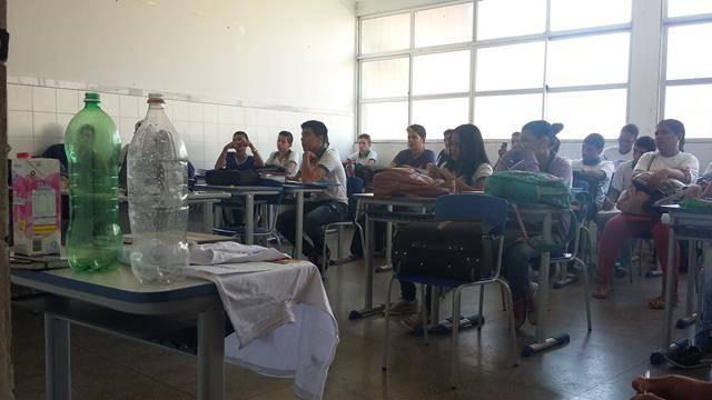 Arte Ambiental - Reciclagem. Centro Territorial de Educação Profissional (CETEP). Juazeiro-BA. 20-05-2016