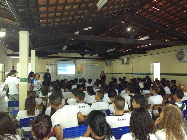 Atividades de arte ambiental - Reciclagem. Escola Moyses Barbosa. Petrolina-PE. 06-06-2016 (1)