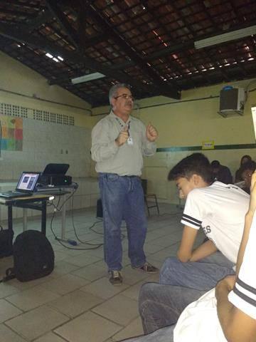 Atividades de arte ambiental - Reciclagem. Escola Moyses Barbosa. Petrolina-PE. 06-06-2016 (4)