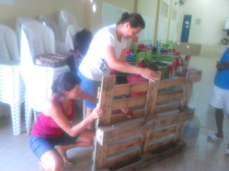 Atividade de jardinagem - Escola Eduardo Coelho - Petrolina-PE - 14 a 18.09.15
