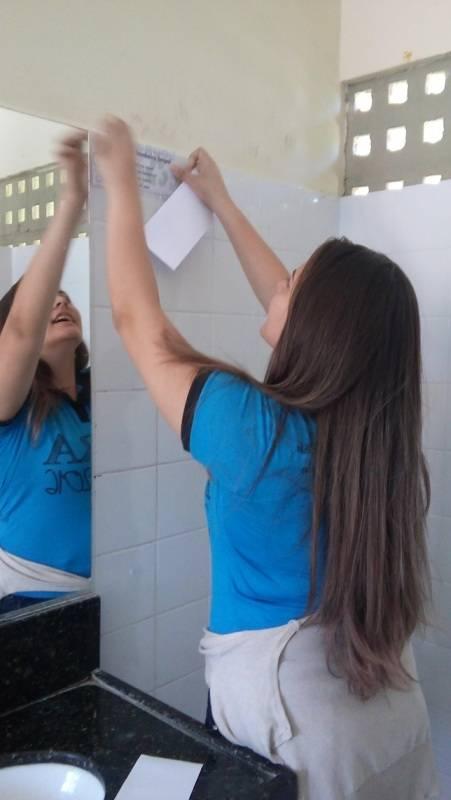 Atividade de adesivagem - Escola EREM Jornalista João Ferreira Gomes - Petrolina-PE - 05.11.15