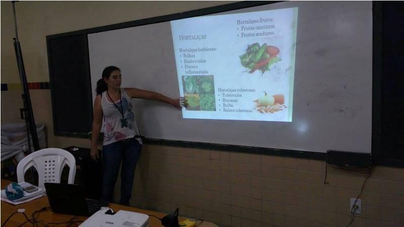 Atividade de reciclagem, coleta seletiva e hortas agroecológicas - Escola Estadual Gercino Coelho - Petrolina-PE - 29.10.15