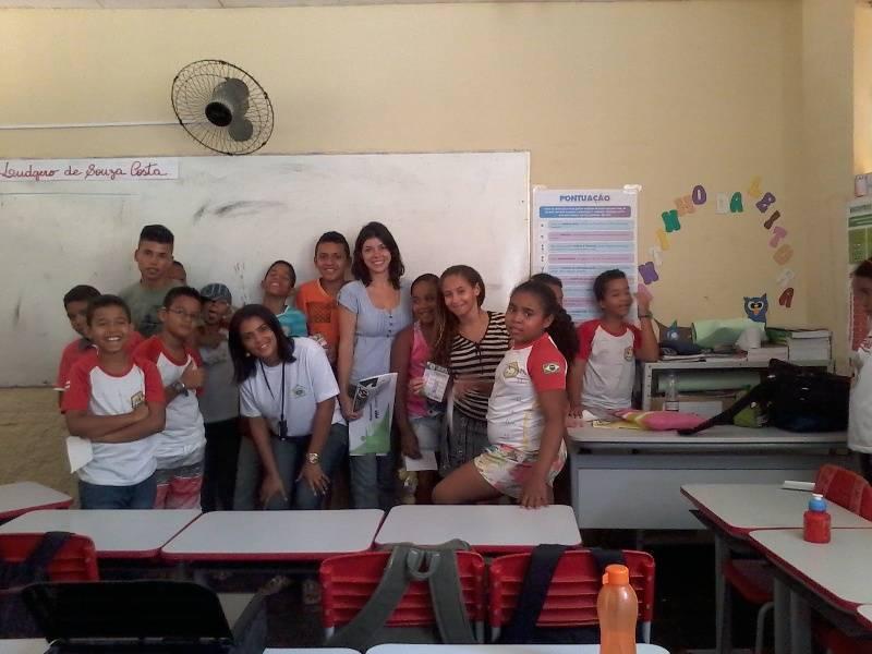 Atividade de reciclagem e reutilizacao de materiais - Escola Ludgero de Souza Costa - Juazeiro-BA - 05.11 (3)