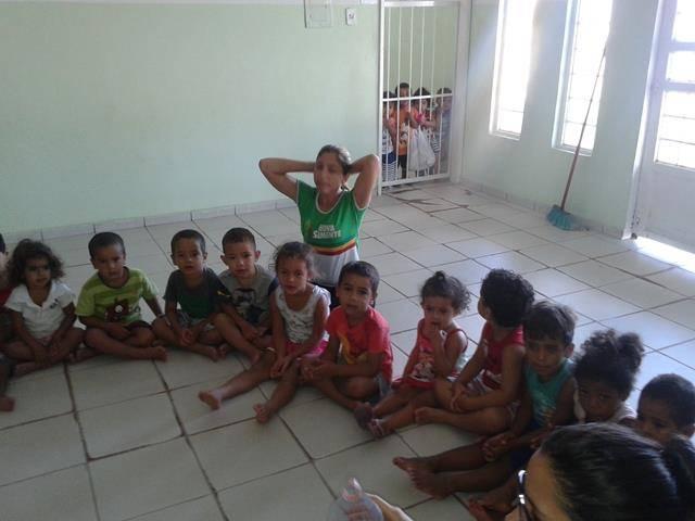 Arte ambiental. Escola Infantil Unidade de Acolhimento Marcelo Brito. Petrolina-PE. 28-07-2016 (1)
