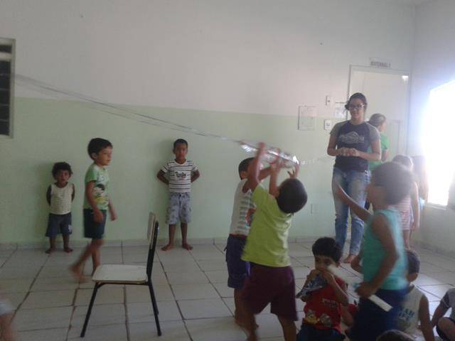 Arte ambiental. Escola Infantil Unidade de Acolhimento Marcelo Brito. Petrolina-PE. 28-07- (9)