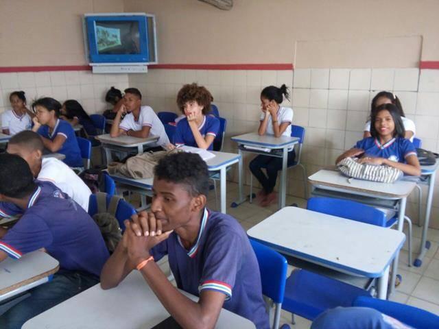 Atividades de Arborização. Escola Artur Oliveira. Juazeiro-BA. 13-10-2016