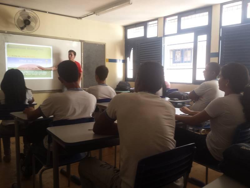 Atividade de arborização - Colégio João Barracão - Petrolina-PE - 23.09.15
