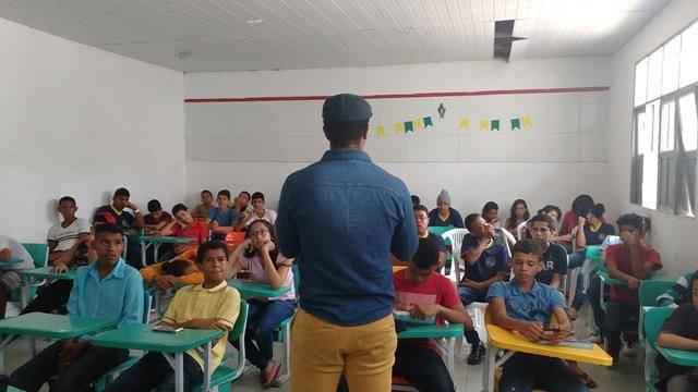 Atividades de Coleta Seletiva. Escola Dr José Gonçalves. Senhor do Bonfim-BA. 01-09-2016