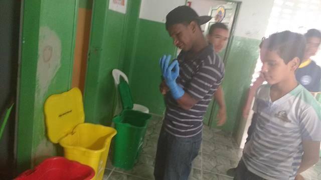 Atividades de Coleta Seletiva. Escola Dr José Gonçalves. Senhor do Bonfim-BA. 09-09-2016