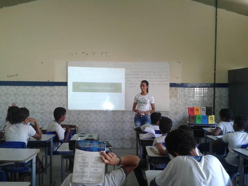 Atividade de coleta seletiva - Escola Estadual Antônio Cassimiro - Petrolina-PE - 19.11.15