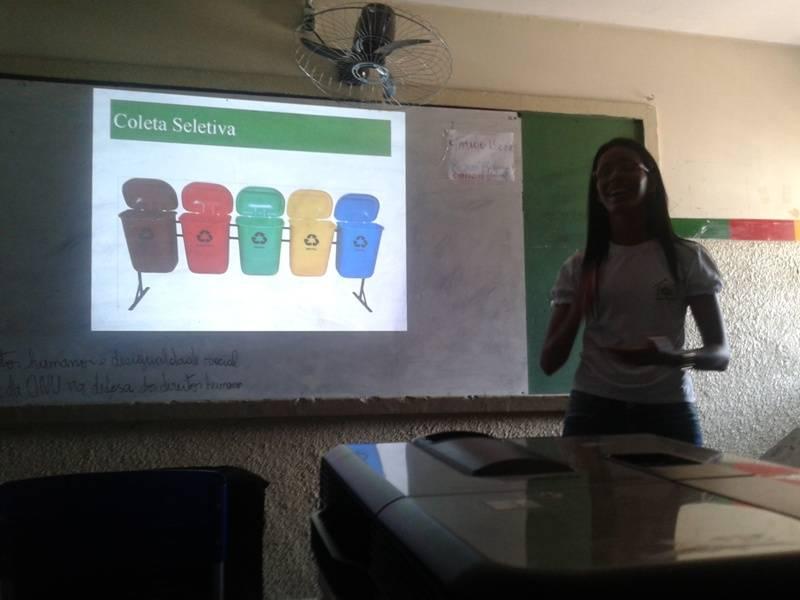 Atividade de coleta seletiva - Escola Estadual Paes Barreto - Petrolina-PE - 27.11.15