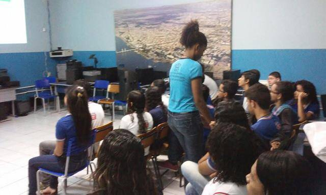 Atividade de coleta seletiva. Escola Helena Celestino. Juazeiro-BA. 05-08-2016