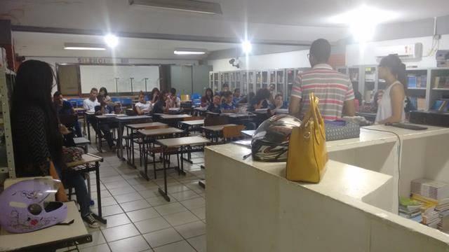Atividade de coleta seletiva. Escola Polivalente Américo Tanuri. Juazeiro-BA. 05-08-2016 (4)