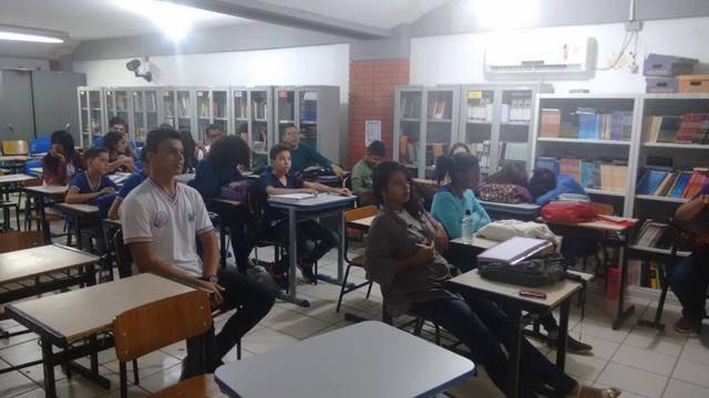 Atividade de coleta seletiva. Escola Polivalente Américo Tanuri. Juazeiro-BA. 05-08-2016 (6)