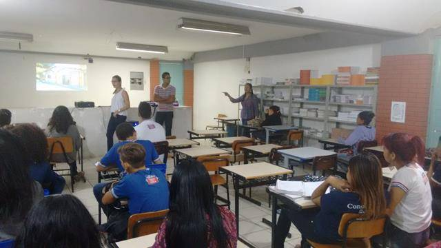 Atividade de coleta seletiva. Escola Polivalente Américo Tanuri. Juazeiro-BA. 05-08-2016 (8)