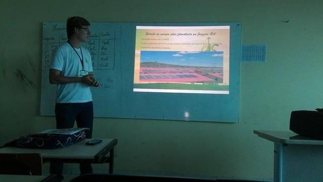 Energias Renovaveis. Escola Marechal Antonio Alves Filho (EMAAF). Petrolina-PE. 11-04-2016 (4)
