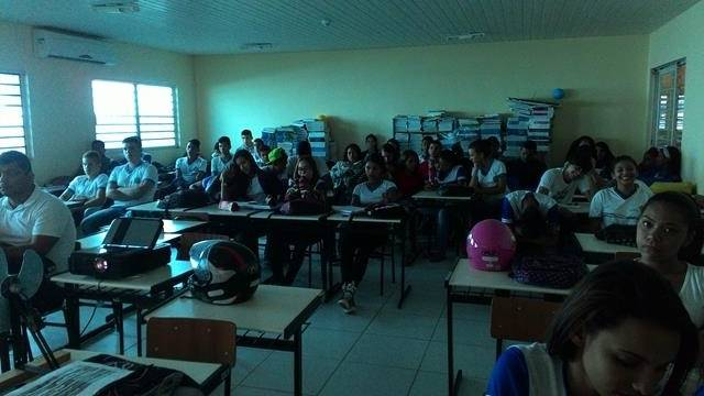 Energias Renovaveis. Escola Marechal Antonio Alves Filho (EMAAF). Petrolina-PE. 11-04-2016 (6)