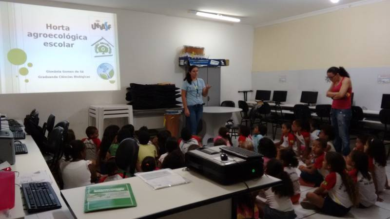 Atividade sobre horta sustentável - Escola Joca de Souza Oliveira - Juazeiro-BA - 20.11.15