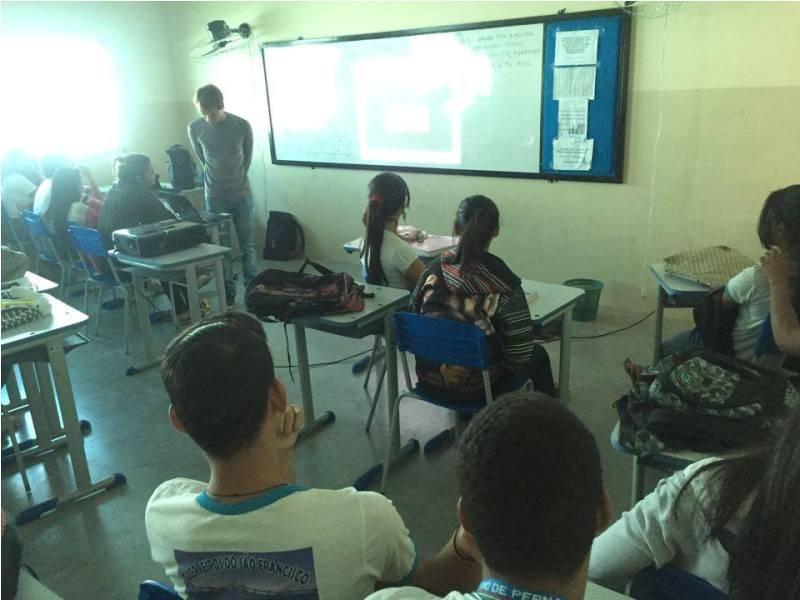 Atividade sobre recursos do solo - Escola Marechal Antônio Alves Filho (EMAAF) - Petrolina-PE - 25.11.15
