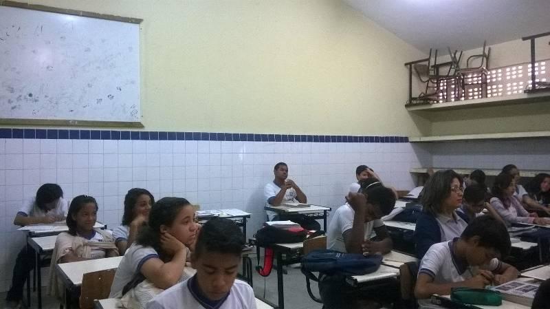 Atividade de higiene ambiental - Escola Professor Simão Amorim Durando - Petrolina-PE - 14.08.15