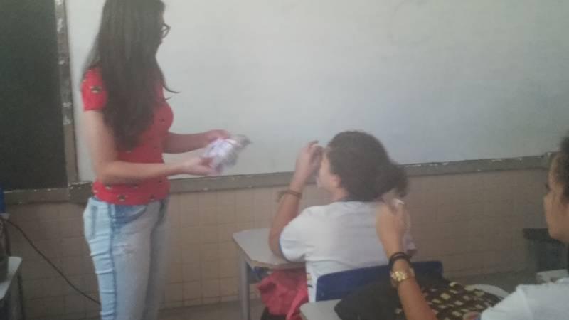 Atividade sobre alimentação saudável - Escola Estadual Dom Malan - Petrolina-PE - 18.08.15