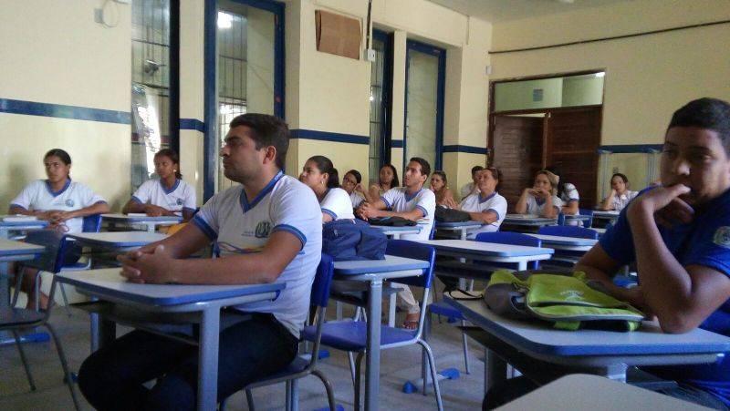 Atividade sobre o uso de agrotóxicos - EJA (Escola de Jovens e Adultos) João Barracão - Petrolina-PE - 18.08.15
