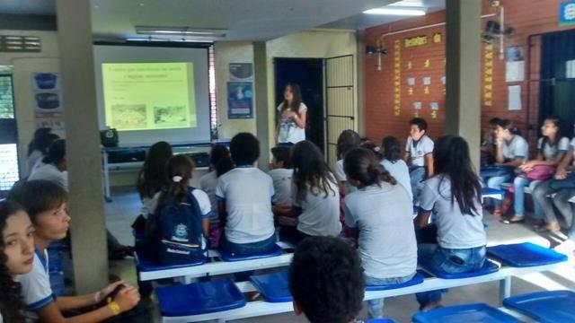 Atividades de Saúde Ambiental. Higiene Ambiental e combate ao mosquito Aedes aegypti. Petrolina-PE. 03-11-2016