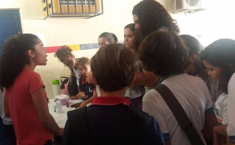Atividades sobre plantas medicinais. Escola Humberto Soares. Petrolina-PE. 06/05/2017.