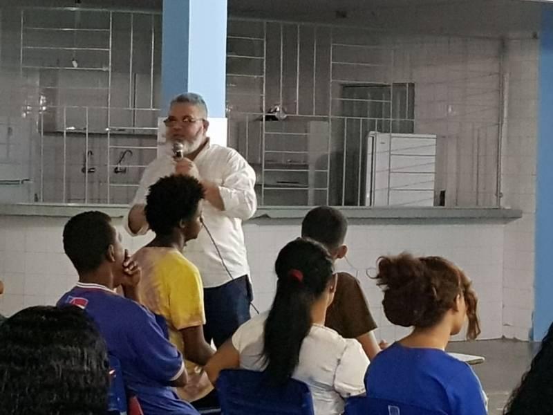 Atividades sobre Recursos Hídricos. Escola Pedro Raymundo Rodrigues Rego. Juazeiro (BA). 21/03/2018.