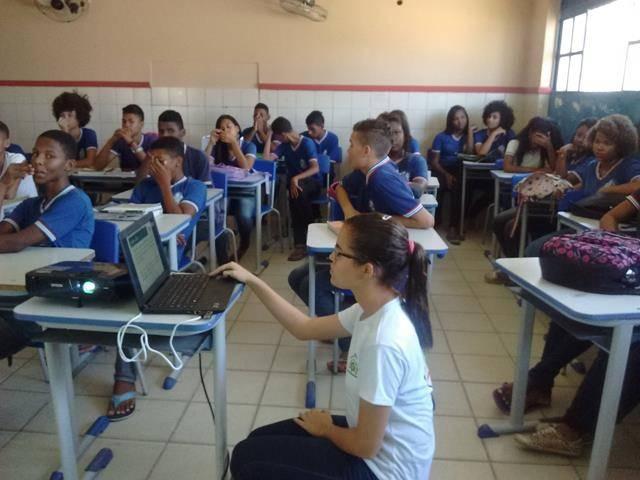 Atividades de Coleta Seletiva. Escola Artur Oliveira. Juazeiro-BA. 15-09-2016