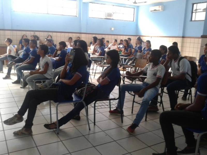 Atividade de coleta seletiva - Colégio Estadual Rui Barbosa - Juazeiro-BA - 02.09.15